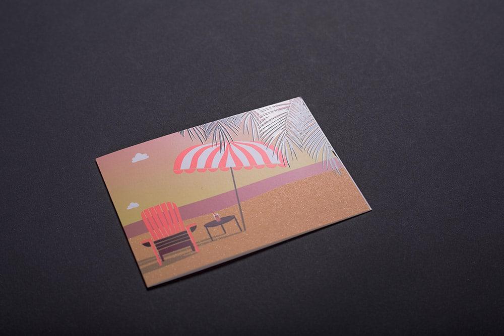 Grußkarte mit Strandmotiv und Sonnenschirm