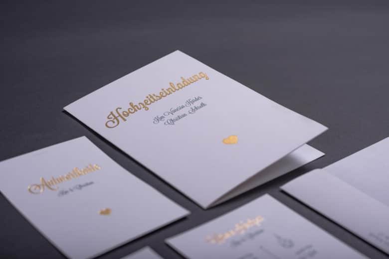 Hochzeitseinladung mit mehreren Bestandteilen